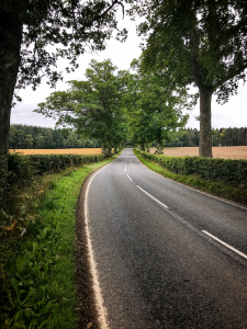 Landstraße in Schottland